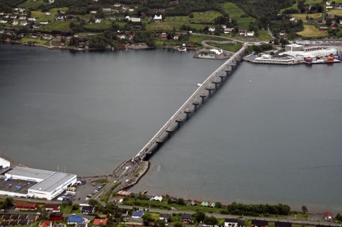 Merveilleux Sykkylven Bridge